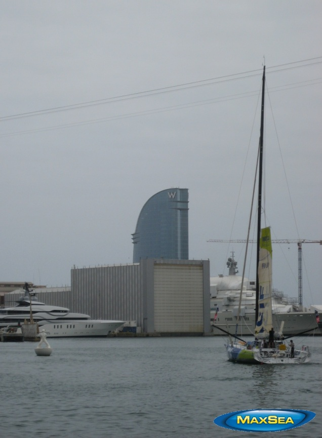 Europa Warm'Up - MACIF Boat leaving Barcelona's port