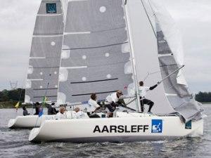 Team racing boat