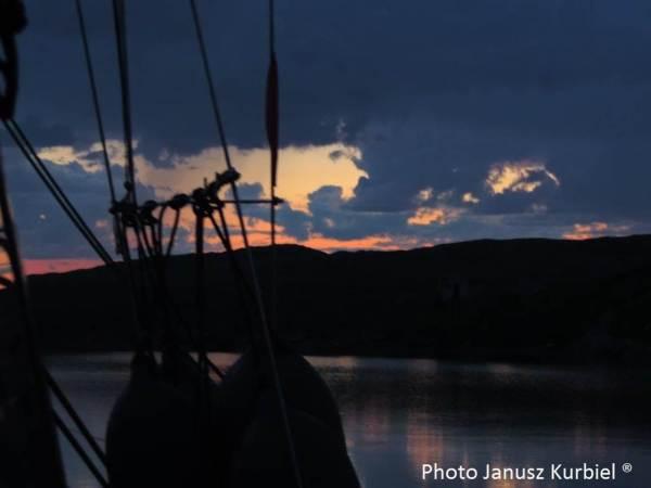 IMERPOL's polar navigation